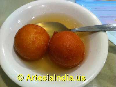 Indian Buffet Desserts image © ArtesiaIndia.us
